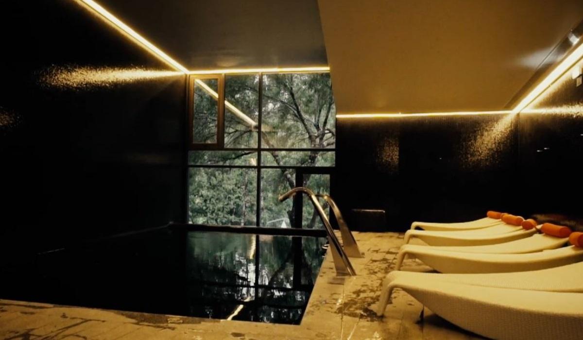 Aqua Village - Piscina Interior