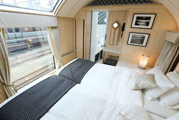 Os comboios noturnos japoneses onde pode viajar com todo o luxo ou a dormir no chão
