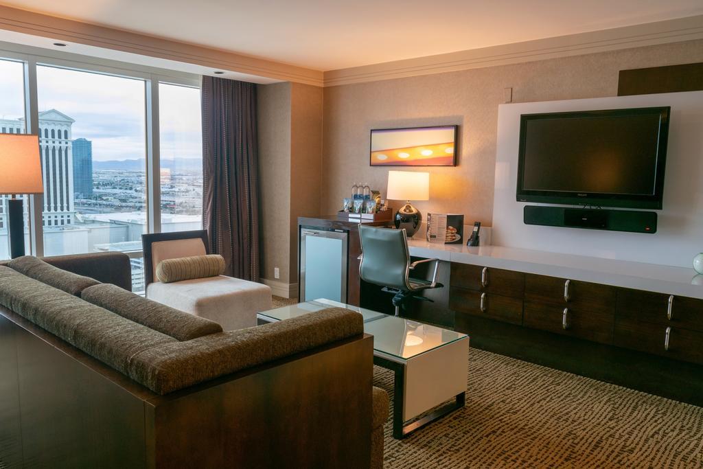 The Mirage, o hotel em Las Vegas que tem uma floresta tropical no interior
