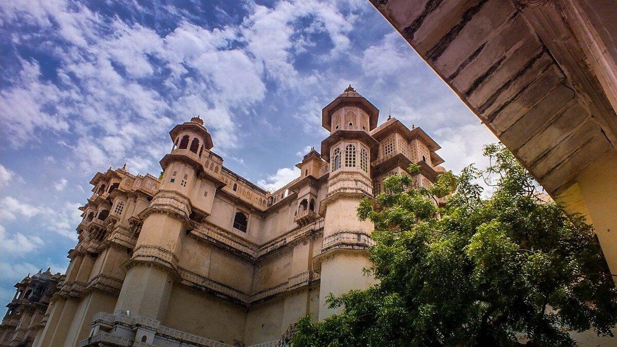 """Tudo o que precisa de saber sobre Udaipur, a cidade indiana que é a """"Veneza do Oriente"""""""