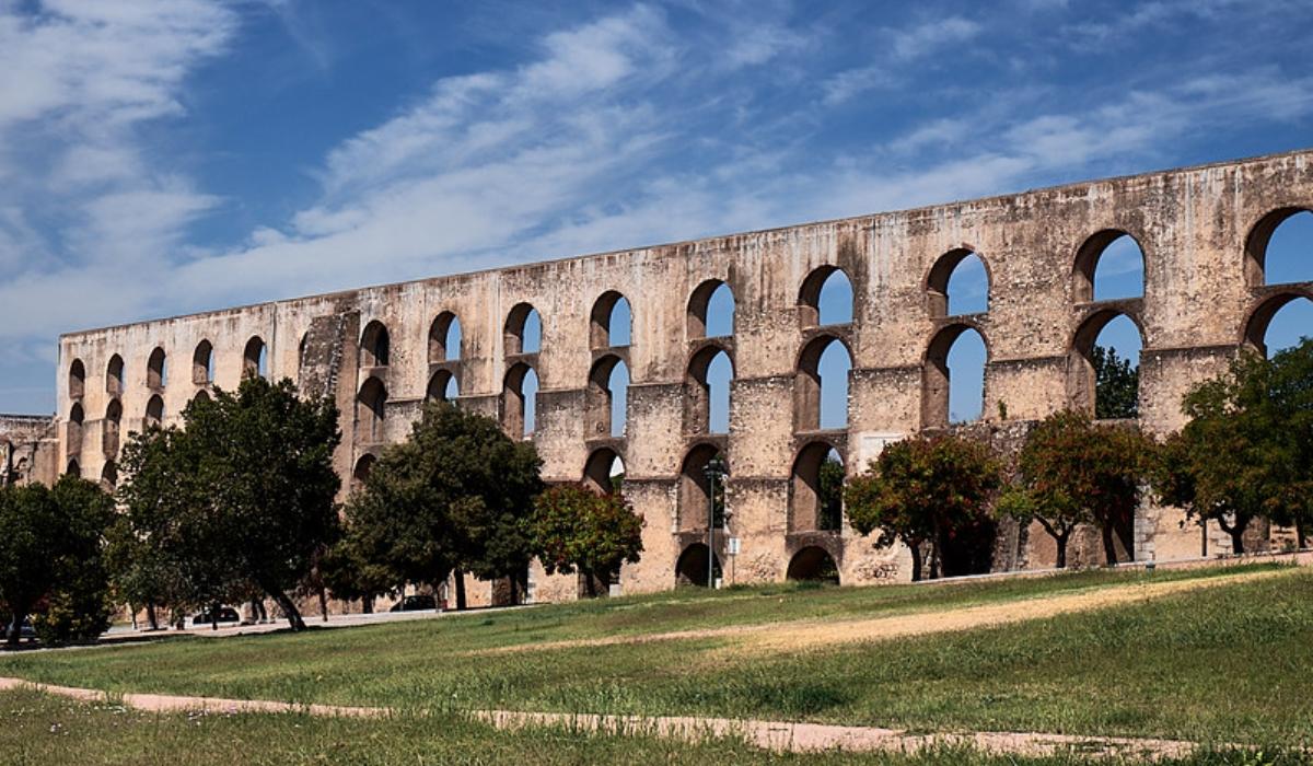 É impossível não adorar Elvas, a maior cidade fortificada da Europa